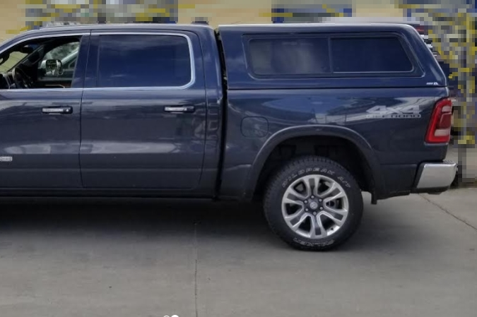 NOVISauto Premium Hardtop mit Schiebefenster ARR19 Evolve