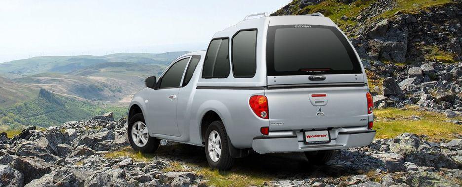 CARRYBOY Hardtop Überhöhe mit Schiebefenstern Toyota Hilux Vigo Extrakabine 2005-2015