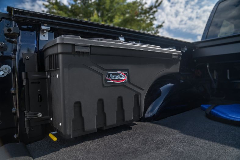 NOVISauto CARRYBOY Pickup Ladeflächen Werkzeugbox Staubox schwenkbar Jeep Gladiator Cargo Management