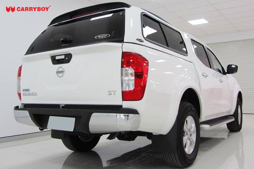 CARRYBOY Hardtop 560-NP3DL mit seitlichen Schiebefenstern und Wagenfarbe lackiert Nissan Navara NP300 Doppelkabine Hardtop für Hund und Jagd