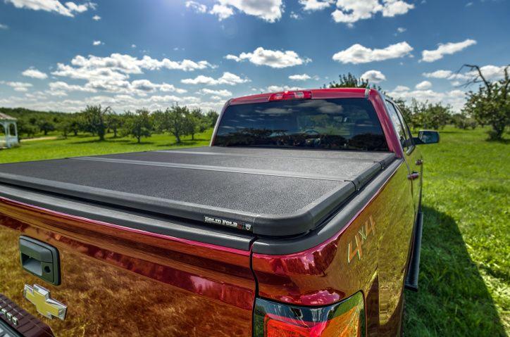 NOVISAUTO Laderaumabdeckung Festabdeckung zum Falten Chevrolet Silverado GMC Sierra 1500 2019 elegantes Design