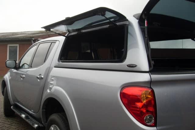 CARRYBOY Hardtop Mitsubishi L200 Doppelkabine Zubehör Dach mit Glasklappen