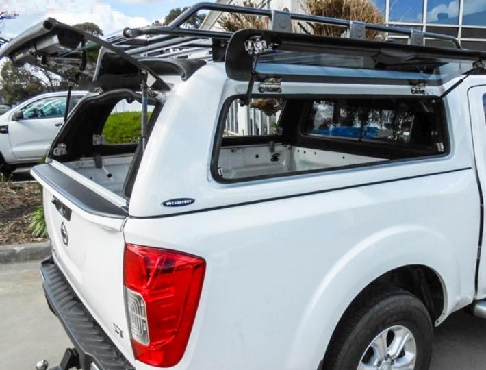 CARRYBOY Nissan Navara Doppelkabine Hardtop mit Klappfenstern