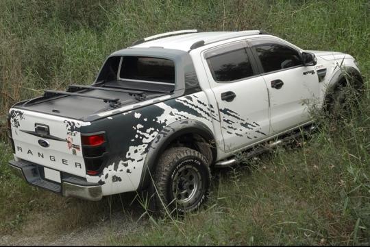 Ford Ranger Doppelkabine Laderaumabdeckung Rollo mit Querträgern 789F, silber oder schwarz