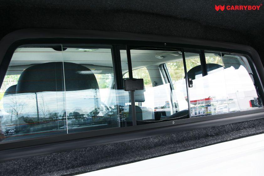 CARRYBOY Hardtop für Mercedes X-Klasse Doppelkabine X250 X350 geschlossene Seiten schwarzer Teppich