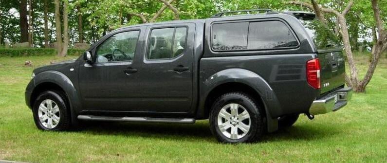 CARRYBOY Hardtop 560 mit seitlichen Schiebefenster für Nissan Navara D40 Doppelkabine Langform Lackierung in Wagenfarbe