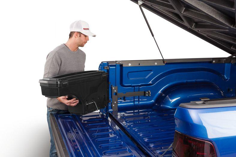 NOVISauto CARRYBOY Werkzeugbox Staubox Toolbox schwenkbar für Pickup Ladefläche Nissan Navara Renault Alaskan Mercedes X mitnehmbar
