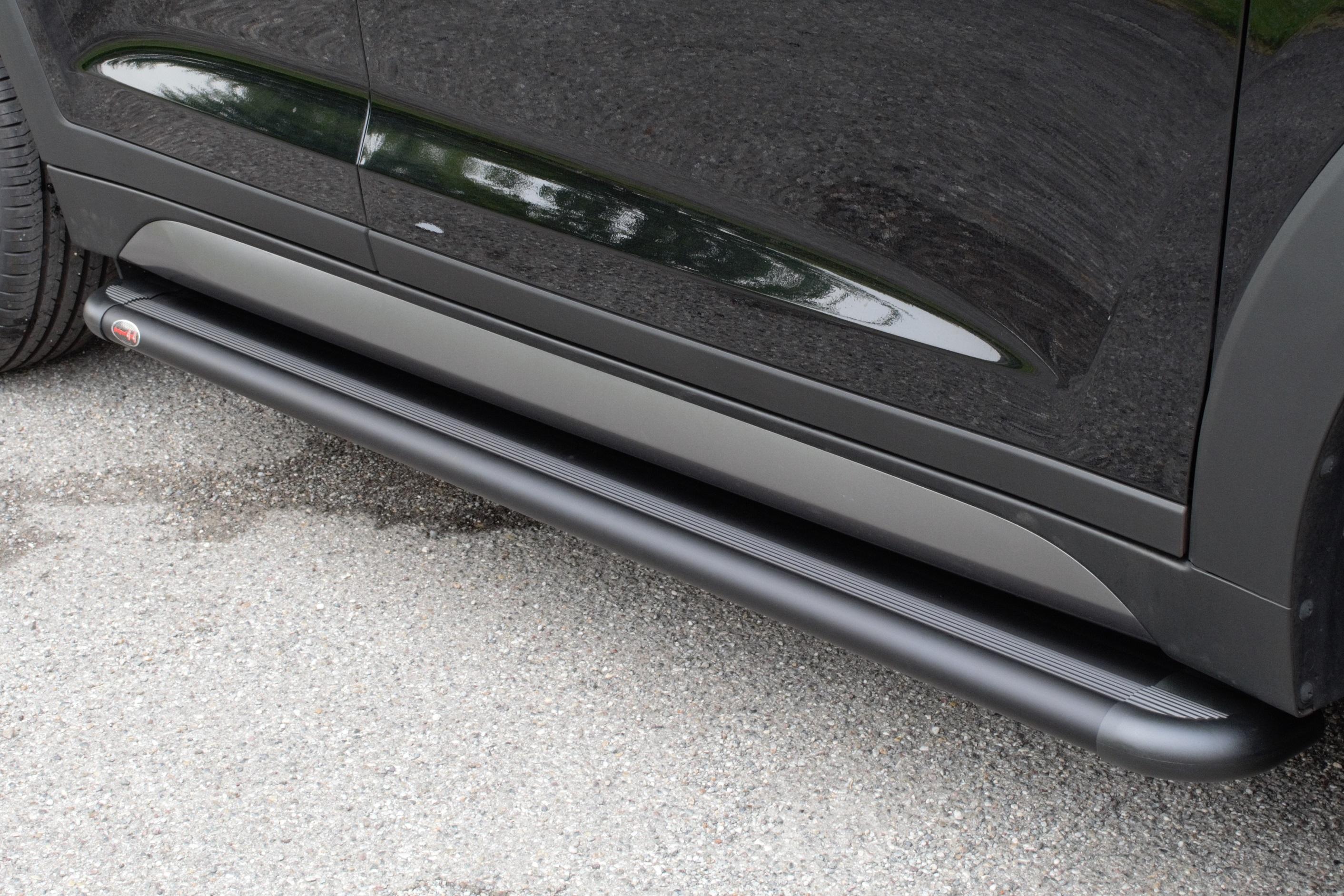 NOVISAuto Trittbrett S50S Toyota Hilux Revo Doppelkabine