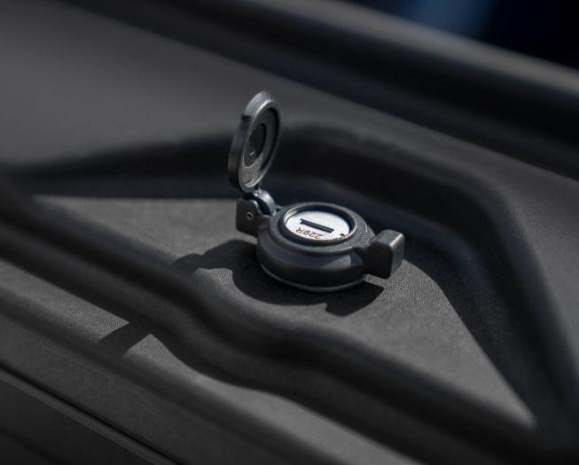 NOVISauto CARRYBOY Werkzeugbox Staubox Toolbox schwenkbar für Pickup Ladefläche VW Amarok abschließbar