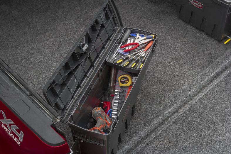 NOVISauto CARRYBOY Pickup Ladeflächen Werkzeugbox Staubox schwenkbar für GMC Sierra / Chevrolet Silverado 2019+ viel Platz und Volumen bis 32kg belastbar