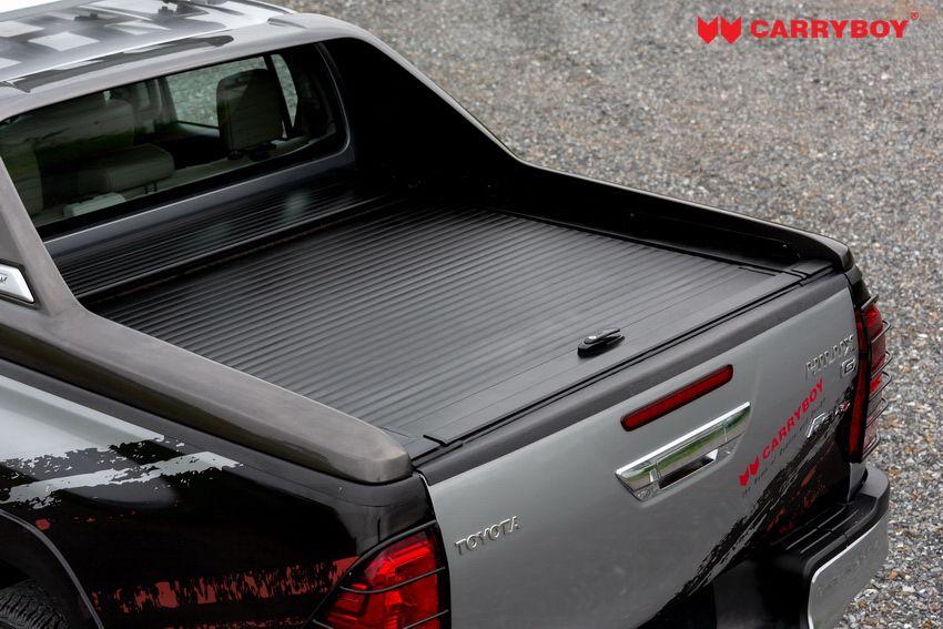 CARRYBOY Laderaumabdeckung mit Stylingbar 799 Toyota Hilux zu