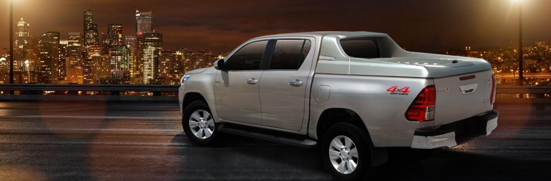 CARRYBOY Laderaumabdeckung Deckel mit Sportbügel sicher abschließbar Toyota Hilux Revo Doppelkabine 2016+