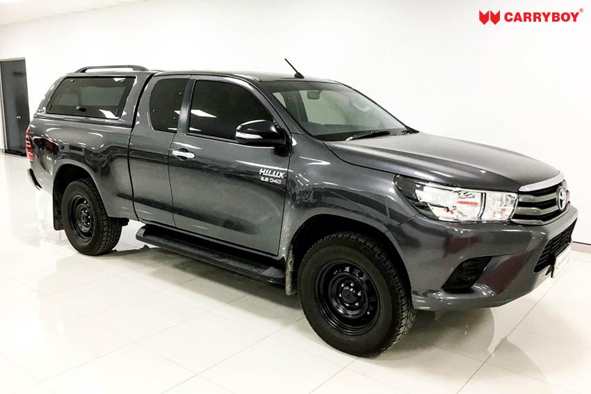 Toyota Hilux Revo Invincible Extrakabine Hardtop mit Klappfenster