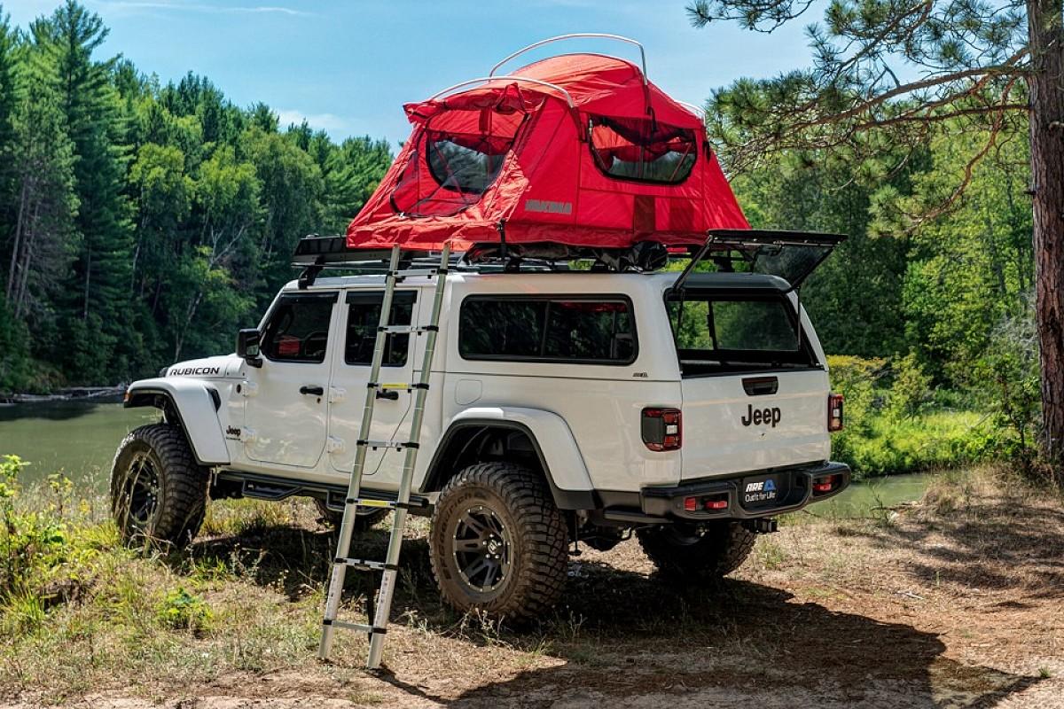 Jeep Gladiator Hardtop Classic Seitenansicht Natur