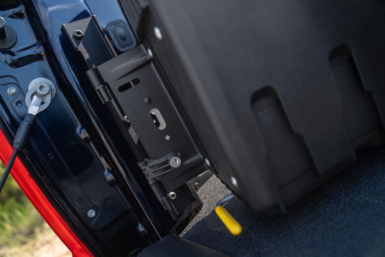 NOVISauto CARRYBOY Werkzeugbox Staubox Toolbox schwenkbar für Pickup Ladefläche VW Amarok einfacher Einbau stabile Scharniere