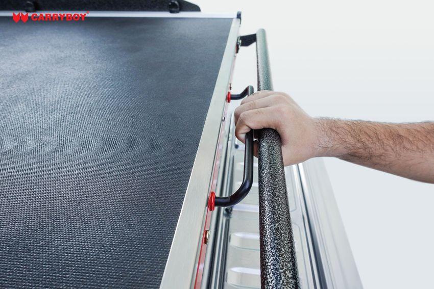 CARRYBOY Ladebodenauszug mit Werkzeugschubladen Kombination CB-800 Größe S Arretiergriff