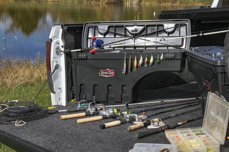 NOVISauto CARRYBOY Pickup Ladeflächen Werkzeugbox Staubox schwenkbar für GMC Sierra / Chevrolet Silverado 2019+ Freizeit Gewerbe und Handwerk praktische Toolbox
