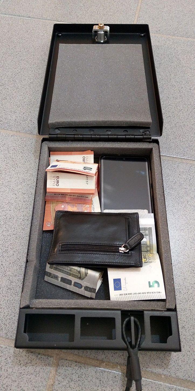 NOVISauto Wersachensafe Fahrzeugsafe für Wertsachen Papiere Bargeld Geldbeutel Kombinationsschloss viel Platz
